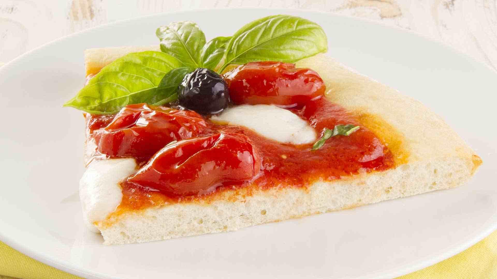 PIZZA DATTERINO, MOZZARELLA DI BUFALA E OLIVE DI GAETA